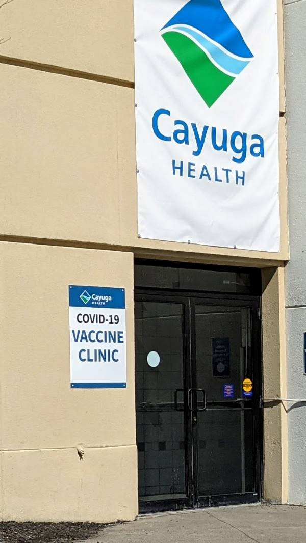 Photo of entrance to the Cayuga Health mall vaccination site